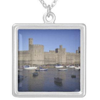 Colar Banhado A Prata Castelo de Caernarfon, Gwynedd, Wales (RF)