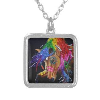 Colar Banhado A Prata Cavalo indiano colorido