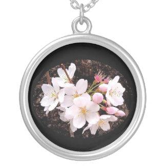 Colar Banhado A Prata Conjunto 02 da flor de cerejeira