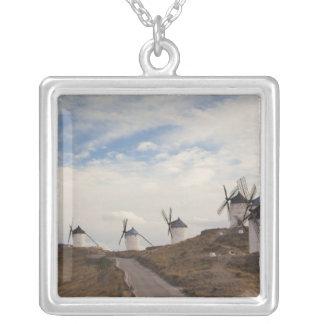 Colar Banhado A Prata Consuegra, moinhos de vento antigos 4 de Mancha do