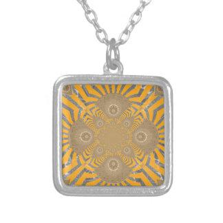 Colar Banhado A Prata Design simétrico surpreendente nervoso bonito do