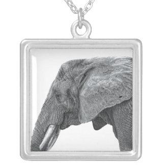 Colar Banhado A Prata Elefante