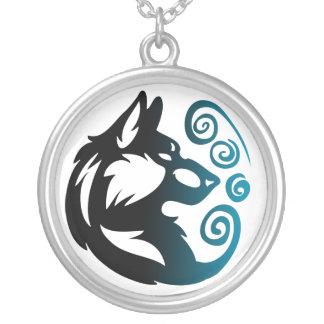 Colar Banhado A Prata Elemento do lobo tribal - vento