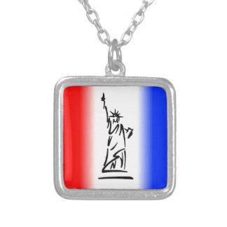 Colar Banhado A Prata Estátua da liberdade New York