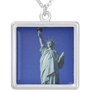 Colar Banhado A Prata Estátua da liberdade, New York, EUA 4