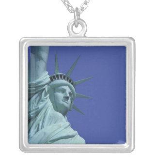 Colar Banhado A Prata Estátua da liberdade, New York, EUA 9