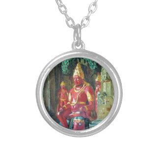 Colar Banhado A Prata Estátua de Vishnu no templo do Indra em Ellora