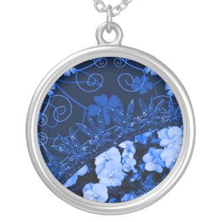 Colar Banhado A Prata Floral azul de sentimento & brilho