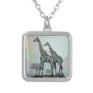 Colar Banhado A Prata Girafas africanos retros raros no design da cor