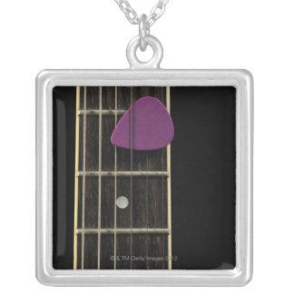 Colar Banhado A Prata Guitarra elétrica 10