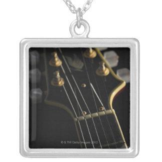 Colar Banhado A Prata Guitarra elétrica 8
