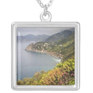 Colar Banhado A Prata Italia. Área de caminhada litoral entre as vilas