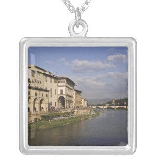 Colar Banhado A Prata Italia, Toscânia, Florença. Opinião do dia do