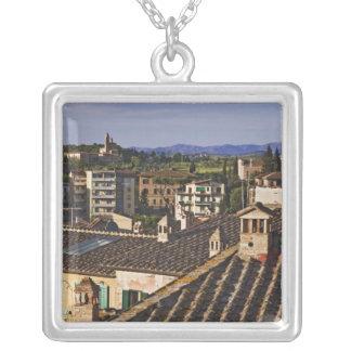 Colar Banhado A Prata Italia, Toscânia, Siena. Opinião do telhado da