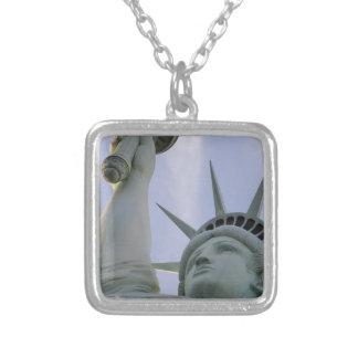 Colar Banhado A Prata Liberdade dos EUA da liberdade da estátua da