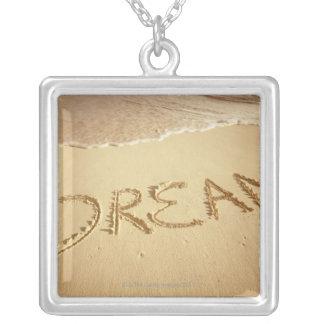 """Colar Banhado A Prata Lixe a escrita """"sonho"""" com surf entrante na parte"""