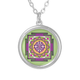 Colar Banhado A Prata Mandala de Sri Yantra