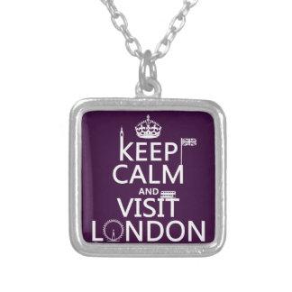 Colar Banhado A Prata Mantenha calmo e visita Londres