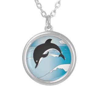 Colar Banhado A Prata Natação com golfinhos