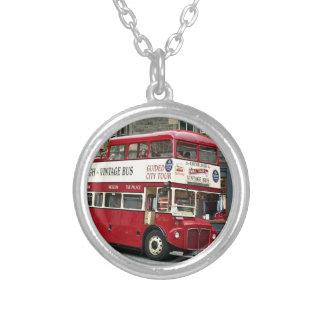 Colar Banhado A Prata Ônibus de excursão de Edimburgo do vintage,