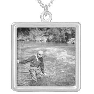 Colar Banhado A Prata Pesca do homem