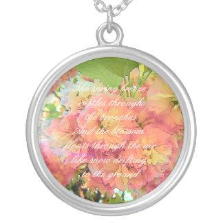 Colar Banhado A Prata Poema da flor de cerejeira