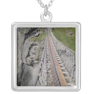 Colar Banhado A Prata Ponte de corda histórica de Carrick-a-rede, norte