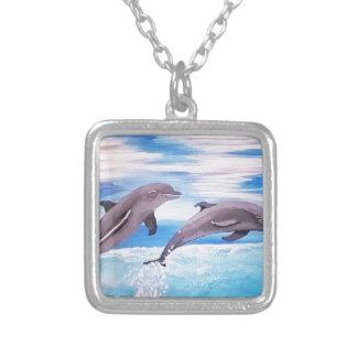 Colar Banhado A Prata Pulo do golfinho
