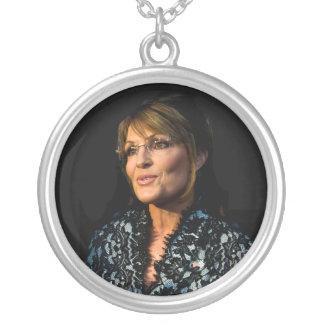 Colar Banhado A Prata Sarah Palin