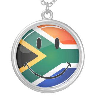 Colar Banhado A Prata Sul feliz redondo lustroso - bandeira africana