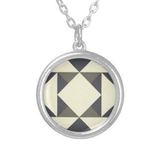 Colar Banhado A Prata Triângulos do preto e do ouro