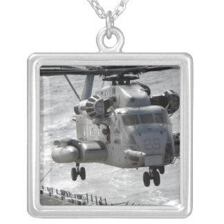 Colar Banhado A Prata Um helicóptero super do garanhão de CH-53E