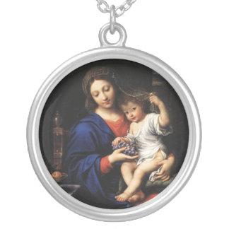Colar Banhado A Prata Virgem Maria e Jesus das belas artes