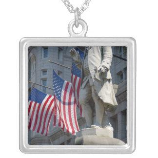 Colar Banhado A Prata Washington, C.C., estátua de Benjamin Franklin