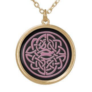 Colar celta preta e cor-de-rosa do nó
