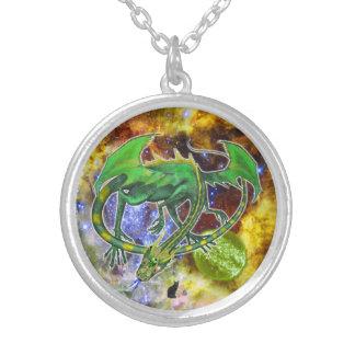 Colar cósmica esmeralda do dragão