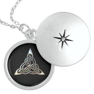 Colar De Prata Esterlina Design celta do nó das espirais pretas de prata do