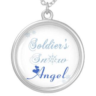Colar do anjo da neve do soldado