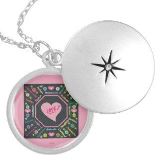 Colar Medalhão Amor