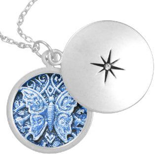 Colar Medalhão Borboleta 3d azul