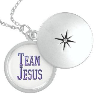 Colar Medalhão Equipe Jesus