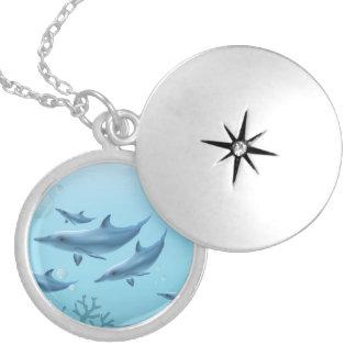 Colar Medalhão Família do golfinho da natação