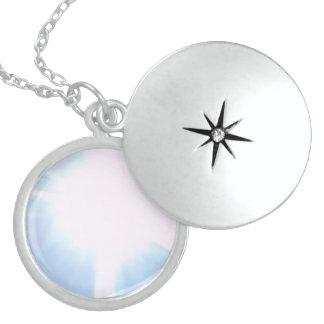 Colar Medalhão I've obteve a LUZ DO SOL em meu locket….