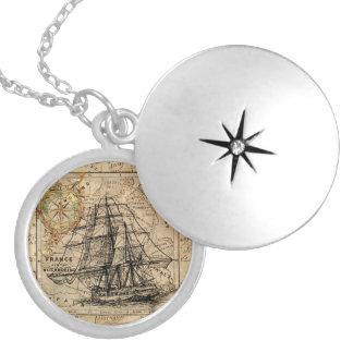 Colar Medalhão Navio de navigação do vintage e mapa europeu velho