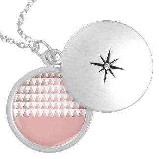 Colar Medalhão teste padrão geométrico dos triângulos do ouro