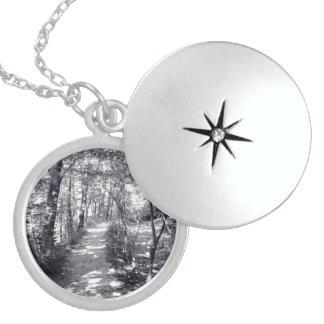Colar Medalhão Trajeto da fé