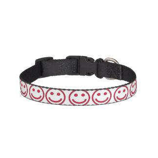 Coleiras Colar de cão - vermelho sorrindo