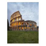 Colosseum em Roma, Italia Cartões Postais