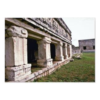 Colunas do palácio norte, Nunnery, Uxmal Convite 12.7 X 17.78cm