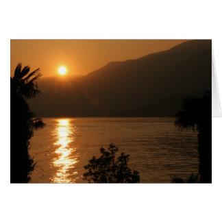 como do lago do ~ do por do sol cartão de nota